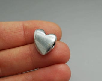 SET of 4 charm shape metal bead silver heart (E06)