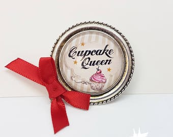 Cupcake brooch / cupcake Queen / gift for her PIN cupcake / gift baking / brooch Capcake / Rockabilly