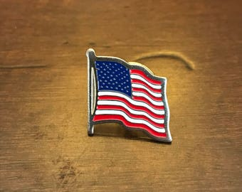 Vintage Patriotic American Flag Lapel Pin