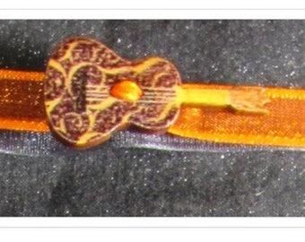 Bracelet guitar and organza ribbons