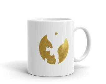 How to Train Your Dragon Mug - Inverted Gold Toothless in Circle - made in the USA