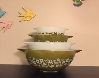 Pyrex Spring Blossom Cinderella Mixing Bowl Set