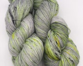 Bright spark - hand-dyed 4ply sock yarn - 100g