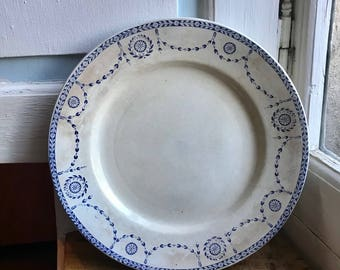 Beautiful plate K G Luneville, blue and white, 1910s