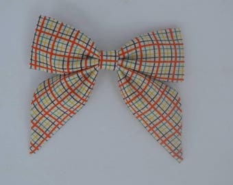 Plaid bow - vintage fabric - vintage fabric Bow - sailor bow - girls clip in bow - clip in bow