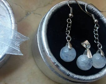 Natural earrings and Rainbow Moonstone pendant