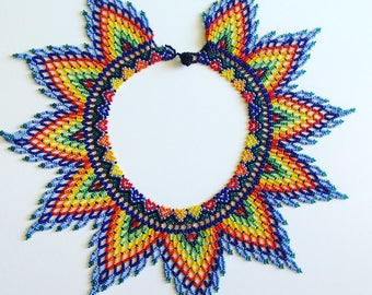 Handicraft Colourful Flower Leaves Necklace