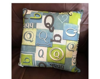 Shabby Look Initial Q Throw Pillow