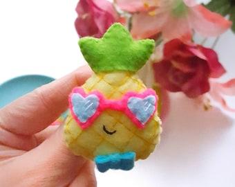 Pineapple Felt Brooch, Handmade badge, Felt pin, cute pin, pineapple brooch, Pineapple pin, Felted brooch, felt jewelry, felt pineapple