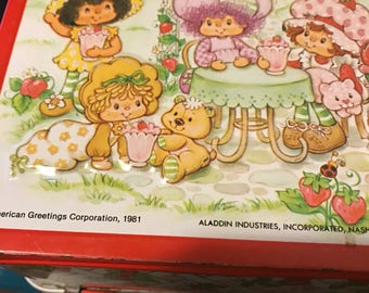 1981 Strawberry shortcake lunch box