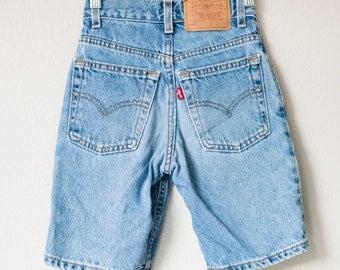 Adorable Vintage 70s 80s Levi's Levi Strauss Kids Medium Wash High Waisted Denim Jean Bermuda Shorts Size 8 Waist 22!