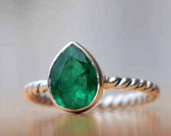 Emerald Ring-Pear Cut Green Emerald Ring-925 Sterling Silver Ring-May Birthstone Ring-Handmade Jewelry-Unique Gift Ring-Green Gemstone Ring
