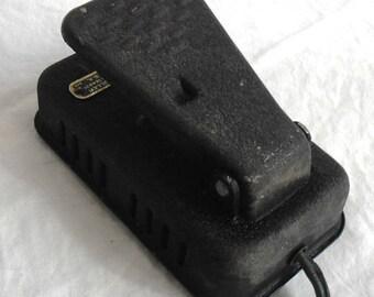 Singer crinkle Wrinkle sewing machine foot pedal controller metal part# 194831