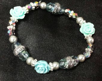Aqua Blue stretchy glass beaded flower bracelet