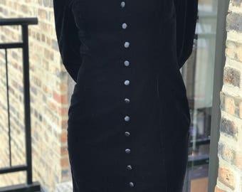 maggie london black velvet dress with a sweatheart neck