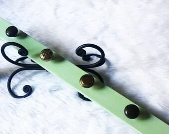 Tangy Green Handmade Knob Rack // Wall Accent & Organizer (Bags, Jewelries, Accessories, etc) // Reclaimed Hardwood