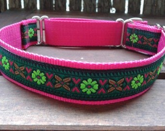Pink martingale dog collar with decorative ribbon, suitable for podenco