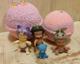 Twozies Surprise Toy Bath Bombs Set of 2