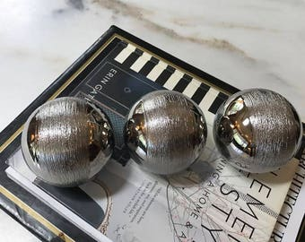 3 Modern Mini Spheres