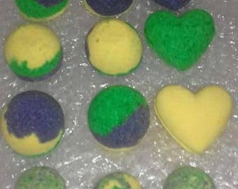 bath bomb gift set, yellow, green ,purple ,heart