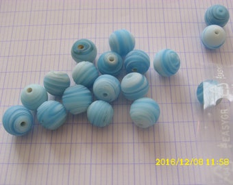 set of 18 beads 11mm light blue ribbed glass (hole 1 mm)