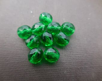 Faceted 8 mm: 10 beads green Bohemian