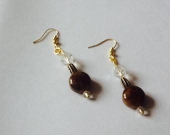 Brown Pearl for pierced earrings.