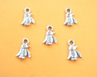 LOT 5 metal CHARMS: Penguin 11mm