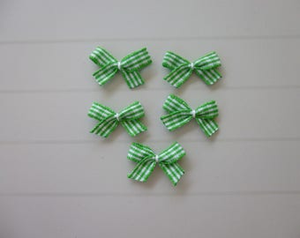 Set of 5 bows, green gingham applique