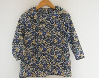 "Blouse LIBERTY Betsy Sapphire 8 and 10 ""flower"" mother of Pearl buttons"