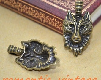 beautiful Wolf head pendant bronze 17 * 27 mm
