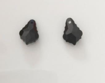 Black faceted pendant