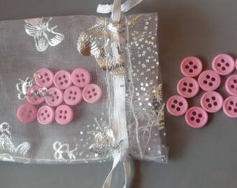 Set of 20 buttons in light pink