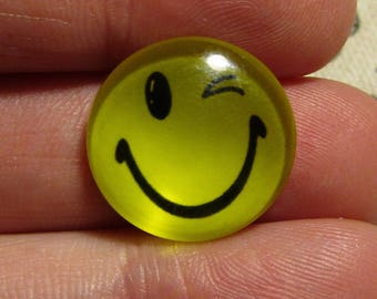 glass cabochon 18mm yellow smile face