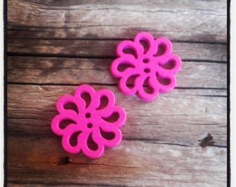 set of 2 fancy wood, rose, fuchsia color flower buttons