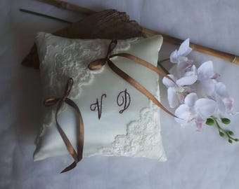 Chic ring bearer pillow lace from Calais ivory embroidered Brown hand