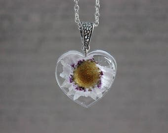 Necklace 62 cm + pendant 3 cm resin and dried flower inclusion violet/white heart