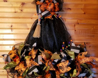 Halloween Ruffed witch hat, halloween, witch, witch hat, Halloween, front door Halloween wreath