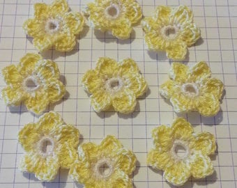 Applique crochet cotton flowers in white and yellow