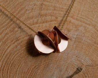 Copper discs necklace