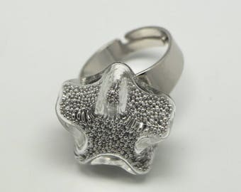 Fancy glass and tiny star ring silver beads