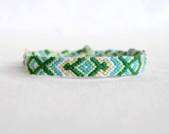Bracelet Brazilian pattern green blue beige fancy Brasilda hippie woven bracelet