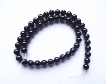 49 round faceted 8 mm black agate TIKKI-119