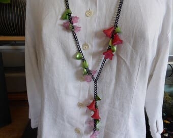 Red and Pink Flower necklace