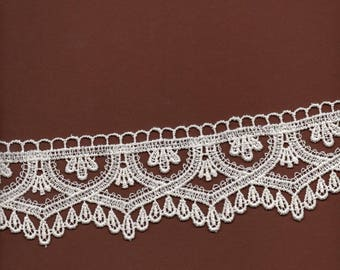 Lace Ecru polyester wide 6.5 cm