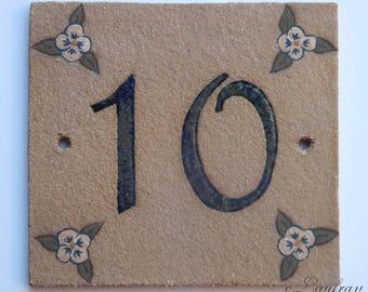 Original door number stoneware Tan '10' and decorative flower