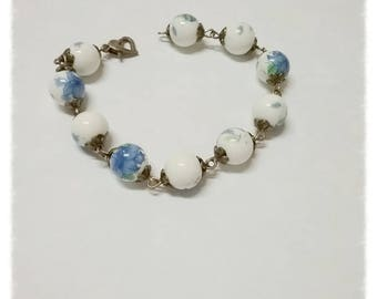 Bracelet with porcelain beads