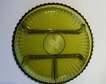 Classic green plate with sections.