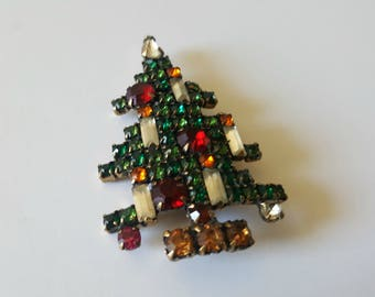 Vintage Weiss Christmas Tree Rhinestone Brooch / 7 Candles / Signed