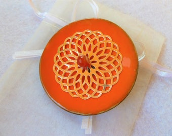 """Citrus"" round brooch"